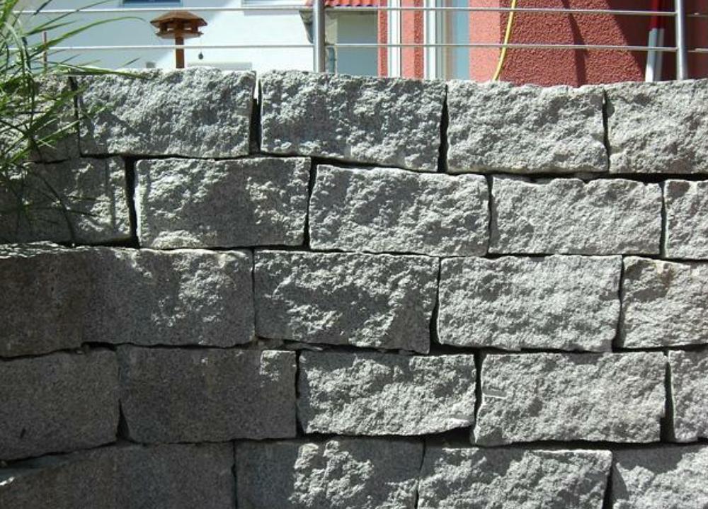 Natursteinmauer 2